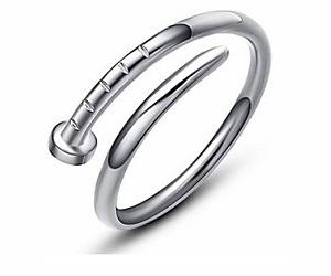 Découvrez à moins 24% l'anneau en argent sterling